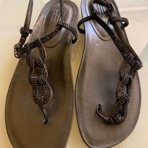 New Pelle Moda Sandal Black